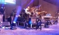 [Photos] Shwekey sings at Bat Hayam Concert